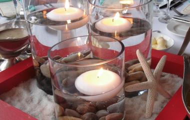 Летом хозяйкам сложнее накрыть праздничный стол (продукты могут испортиться, жар от плиты, не хочется сытной пищи, и.т.д), поэтому необходимо учитывать особенности летнего меню. Овощные салаты можно заменить овощными нарезками, поставить на стол вазочки с оливками, маслинами, корнишонами. Любой праздничный стол украсит большая тарелка с разнообразной мясной и сырной нарезками. Здесь можно проявить фантазию в оформлении. […]